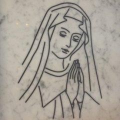 madonna incisa marmo