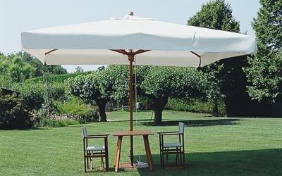 tavolino + sedie + ombrellone da giardino