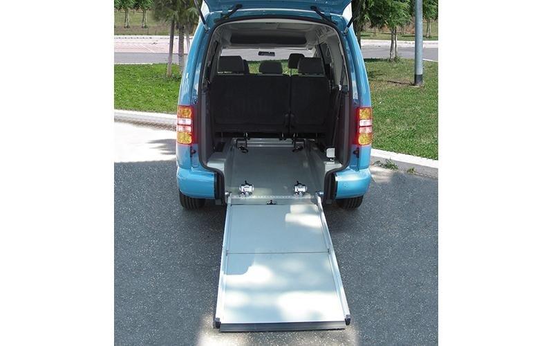 Low-floor car