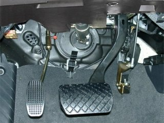 adaptador pedal izquierda