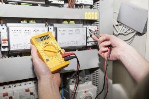 collegamenti elettrici con batteria