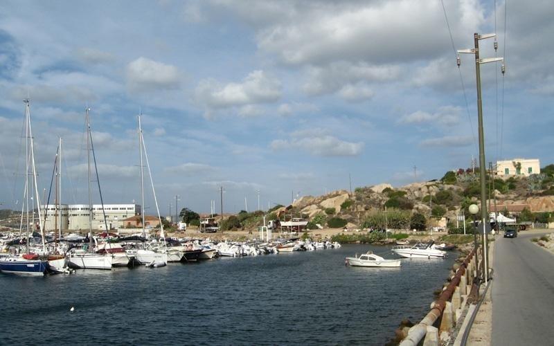 naval ports with storage service