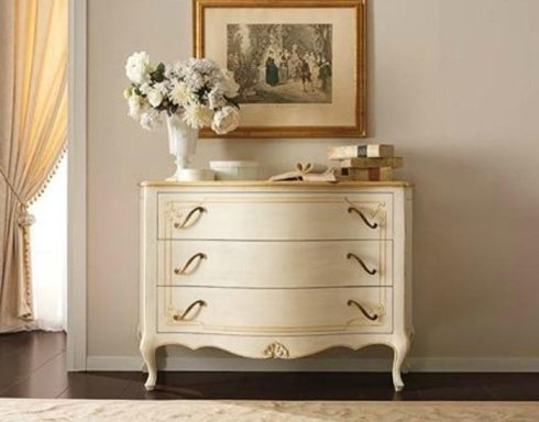 cassettiere raffinata, cassettiera in legno, cassettiera classica