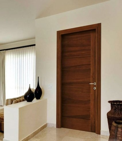 Porta in legno scuro, riparazione porte, serramenti, noce nazionale, legno