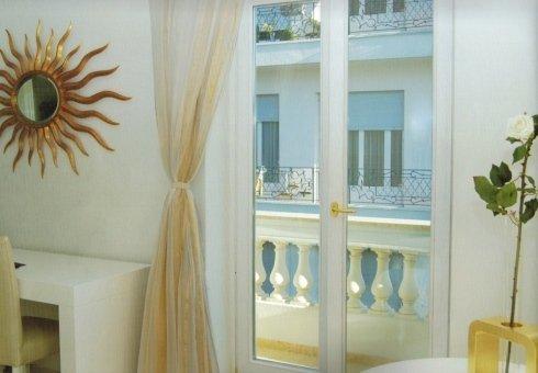 finestre bianche, finestre per balconi, infissi innovativi