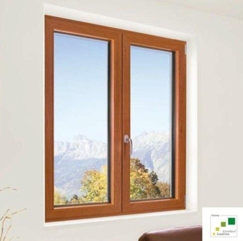 finestra in legno, finestra a scelta, installazione finestre