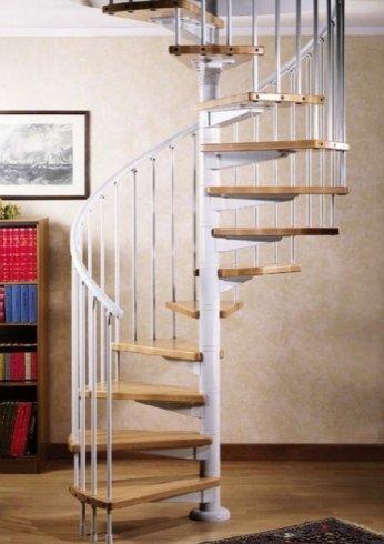Scala con scorrimano bianco, scaletta, scala in legno, chiocciola, gradino