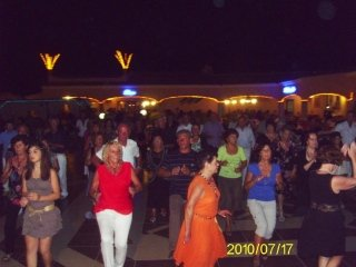 Futura Dancing