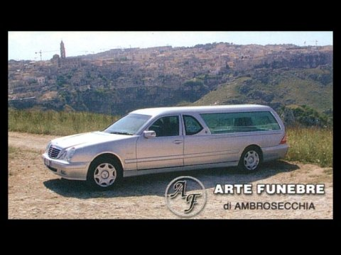 Carro funebre per trasporto salme