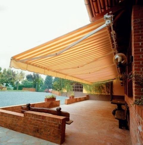 Tende a rullo estensibili per balconi