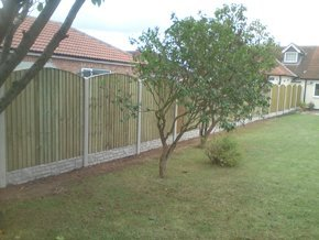 Concrete fence posts - Doncaster, South Yorkshire, Rotherham, Sheffield, Barnsley, Scunthorpe, Wakefield - Fencing Direct - Fencing