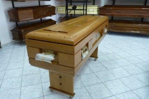 Tumulazioni, sepolture e cremazioni.