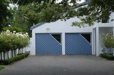 Roller and tilta door