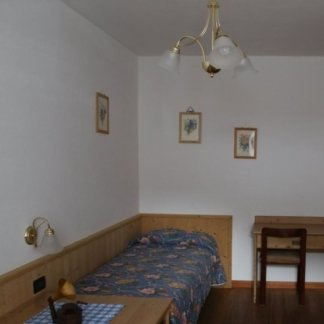 camera singolo rododendro