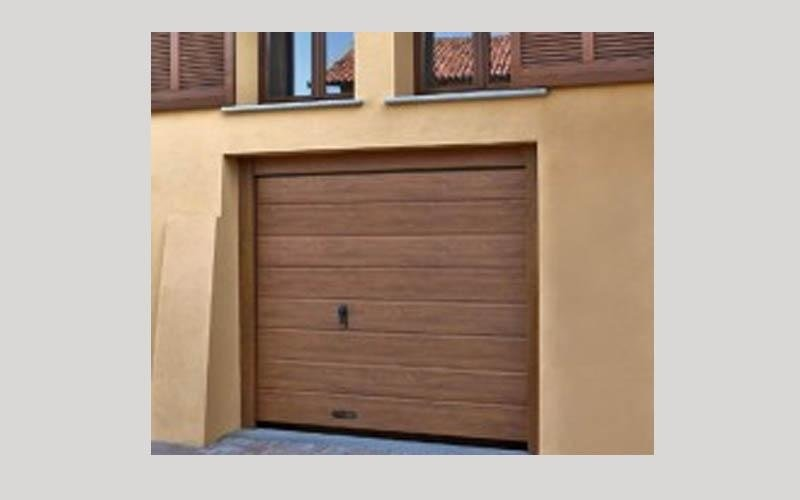 Porte per garage cuneo unika serramenti di chiabrando p - Porta garage sezionale prezzi ...