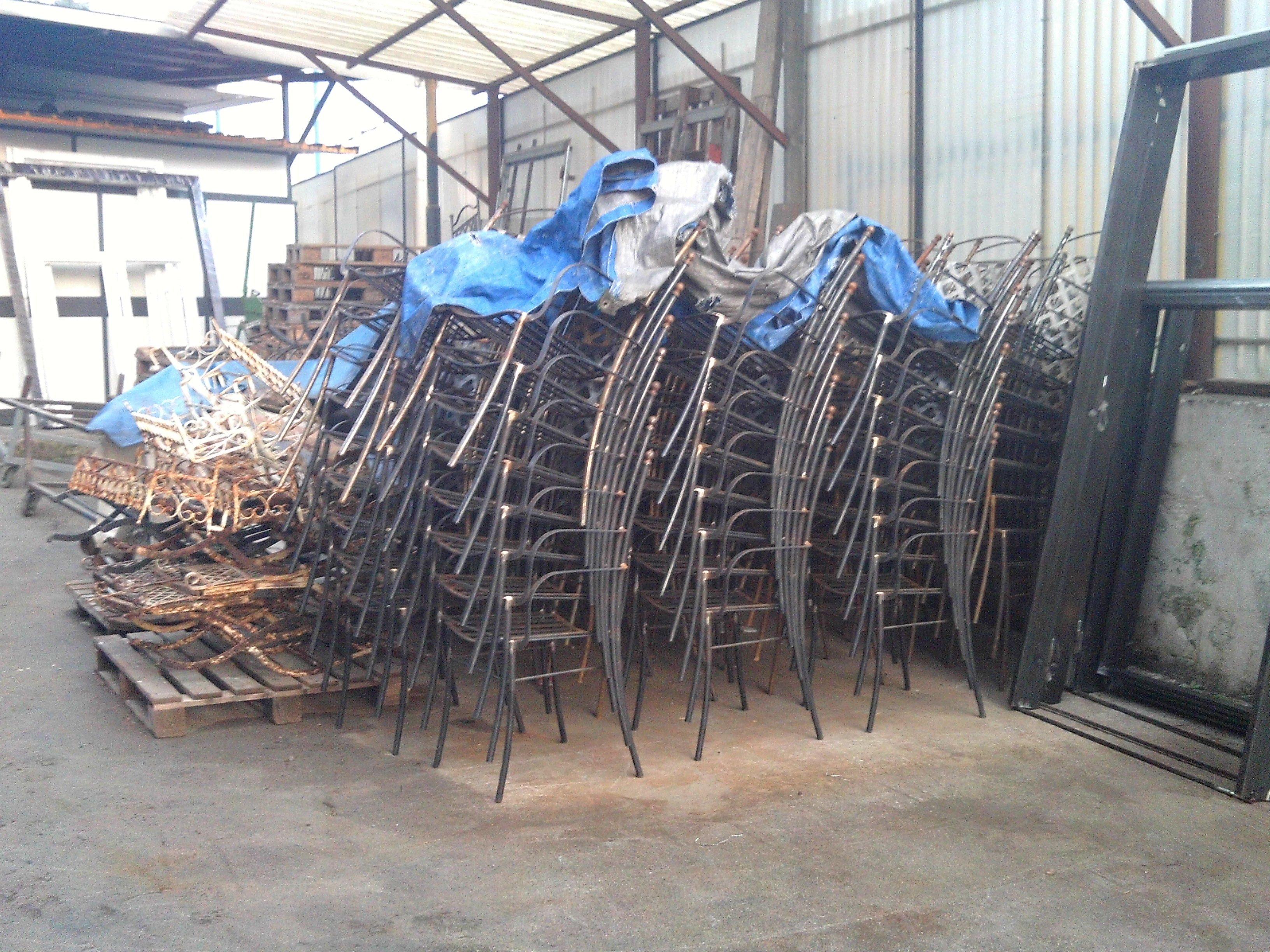 sedie in ferro in pile