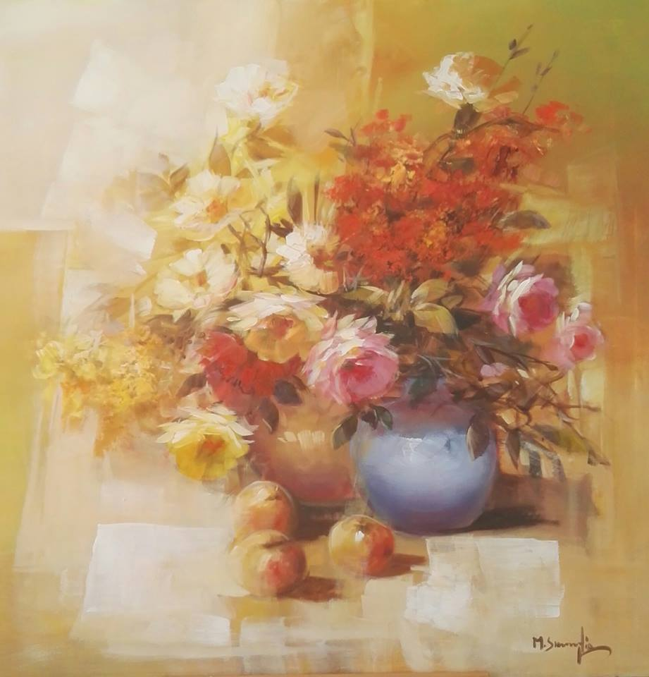 un dipinto di un vaso di fiori e della frutta accanto