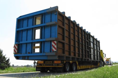 Balboni Gabriele Autotrasporti dispone di vetture per la movimentazione di grandi carichi.