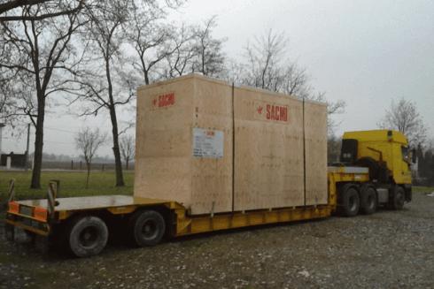 La ditta Balboni Gabriele Autotrasporti vanta grandi mezzi per il trasporto di forti carichi.