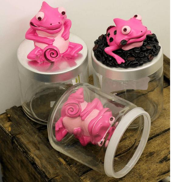 Il concept store è il luogo perfetto per chi è alla ricerca di un oggetto che possa abbellire i propri ambienti domestici come questi divertenti mostri rose per i suoi battelli di cucina