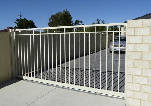 aluminium driveway gate