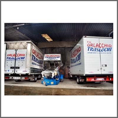 Camion della Orlacchio al deposito