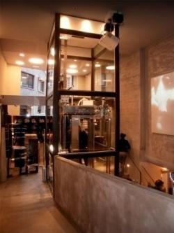 ascensore a vetro in palazzo storico