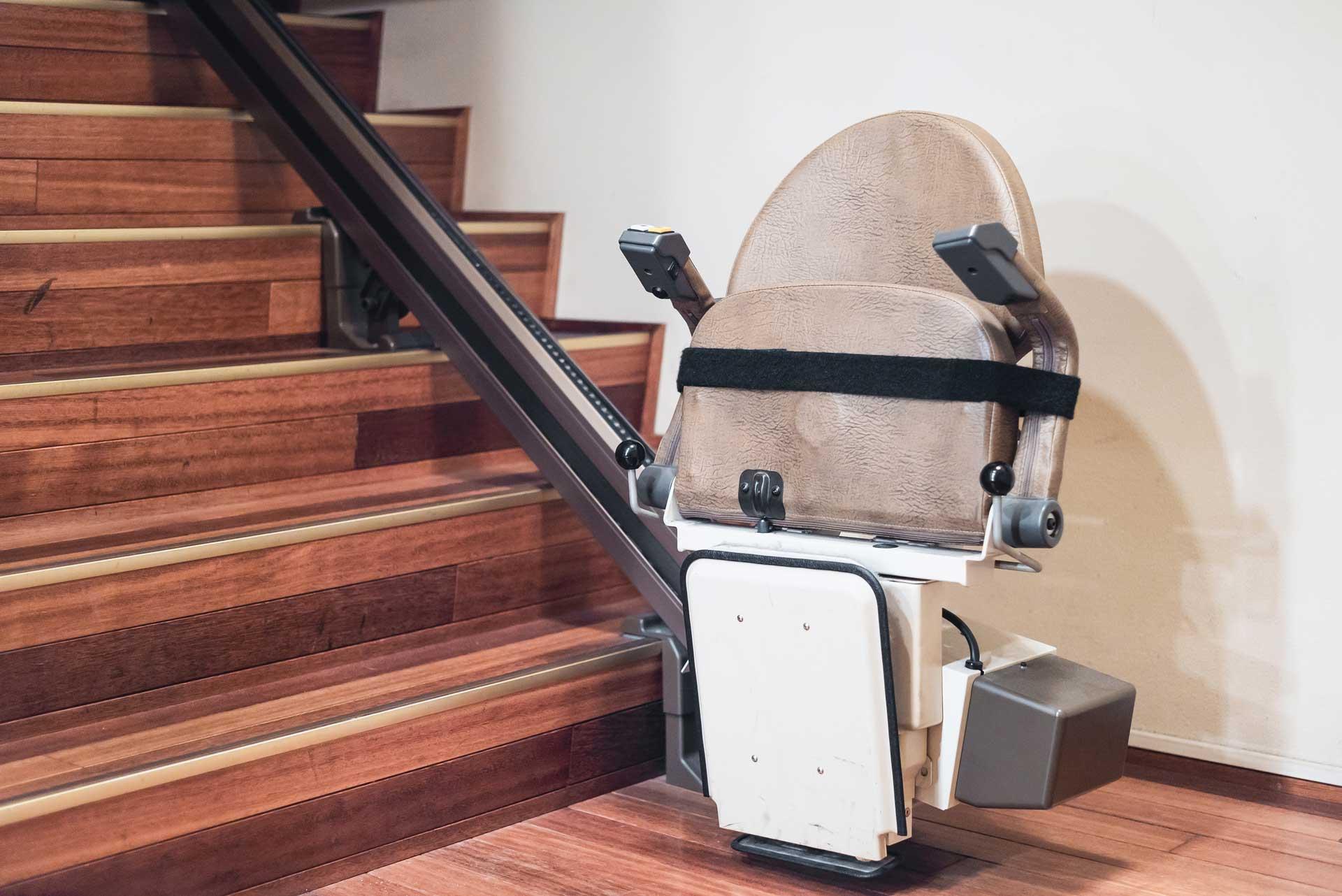 monta scale con poltroncina