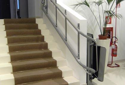 scale con struttura per servoscala