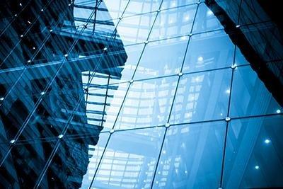 vetrata di edificio prodotta con forno