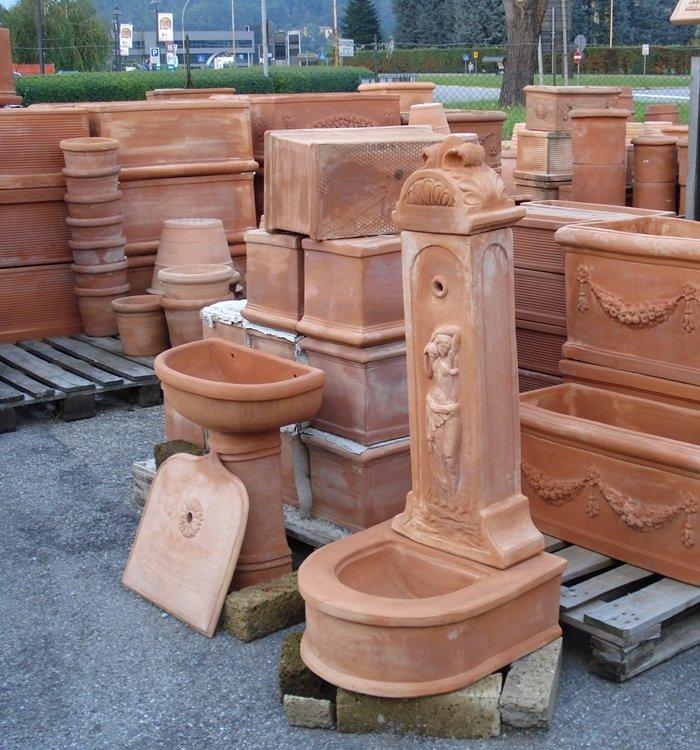 Fontanella terracotta