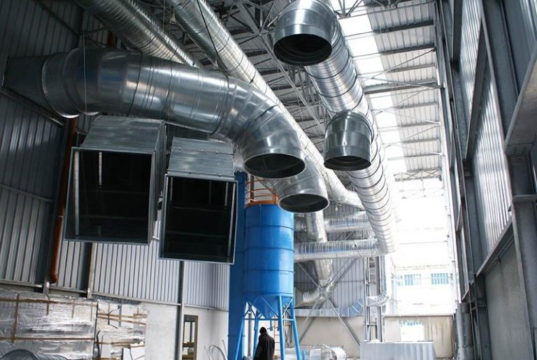 Vacuum system for sandblasting dust and paint dust