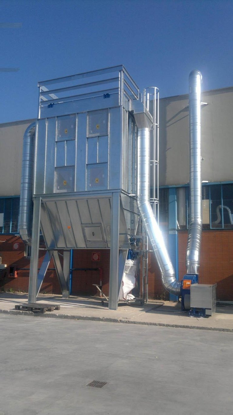 Bag filter substation with pneumatic cleaning system