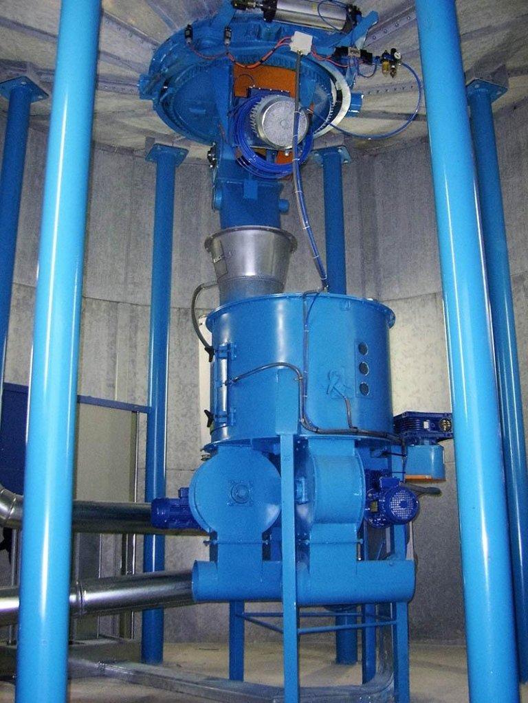 Sistema di estrazione e dosaggio per silo