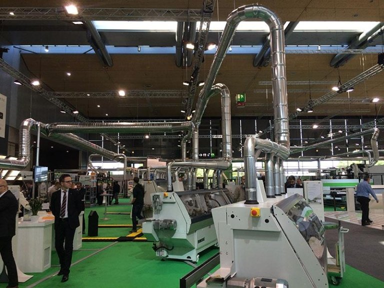 Vacuum lines for trade fairs