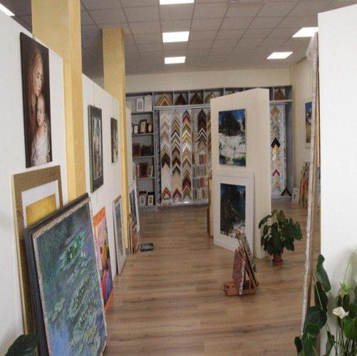 Dipinti nella galleria d'arte a Nardo'
