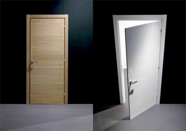 Porte in legno chiaro e bianco