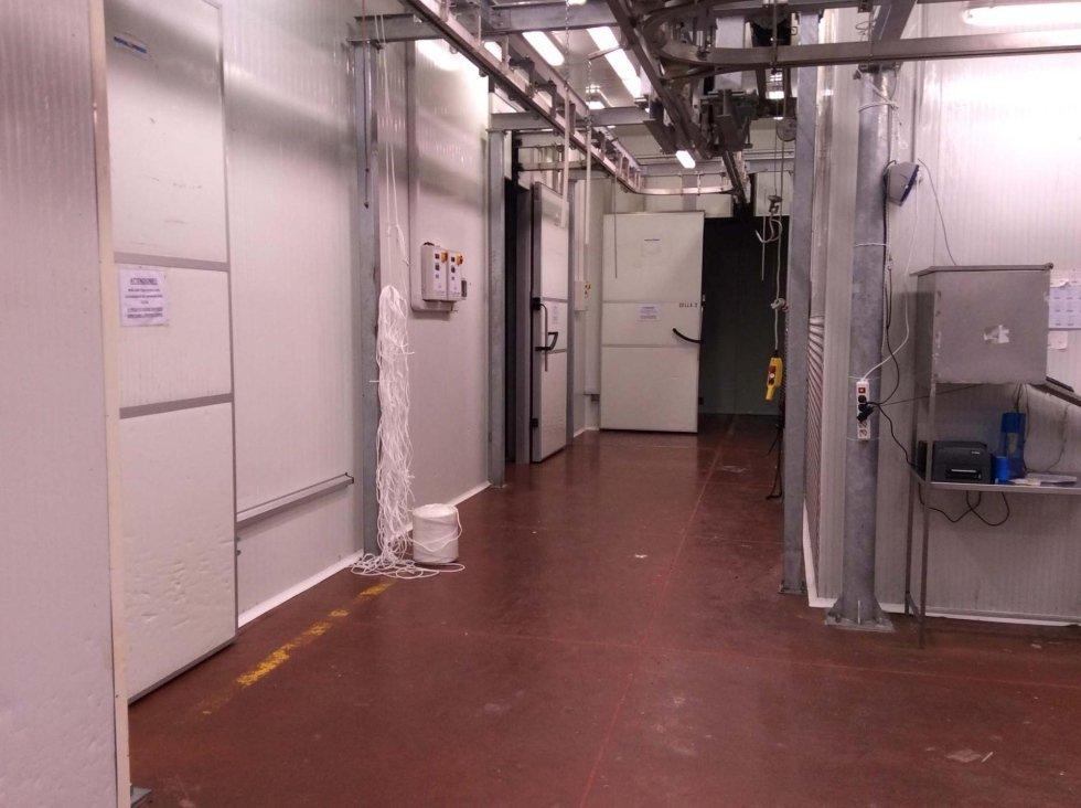 un corridoio in un edificio