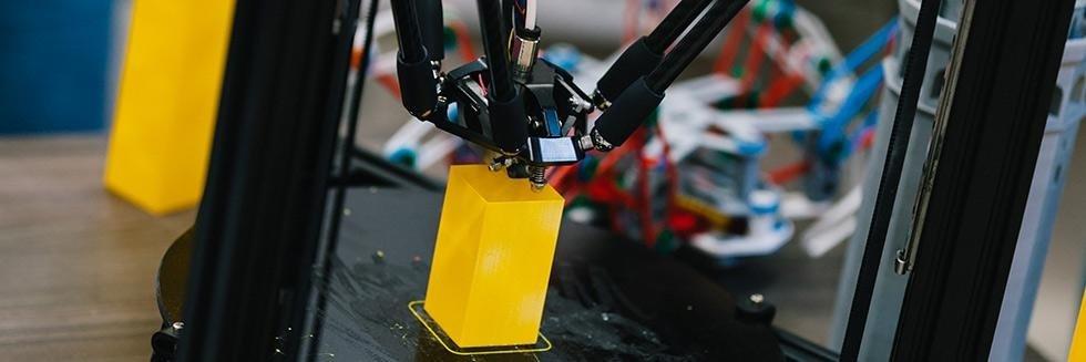 Plastik-Stamp-stampa-su-plastica