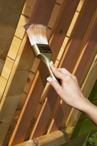 Vernici protettive per legno.