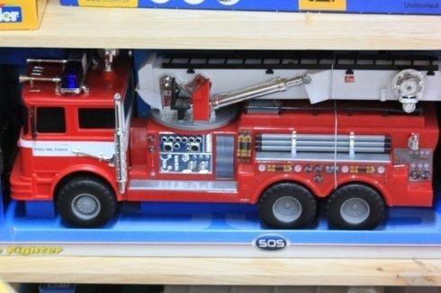 Camion dei pompieri giocattolo
