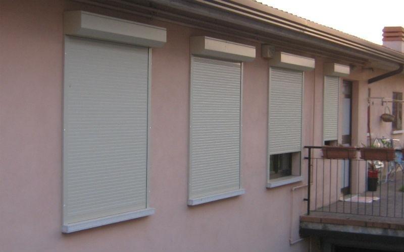 Mini cassonetti per tapparelle gavardo brescia m p s tapparelle - Serrande avvolgibili per finestre ...