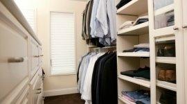 armadi su misura, cabine armadio in legno massello, cabine armadio per appartamenti