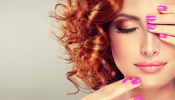 colore capelli, capelli rossi, unghie, ricci, donna