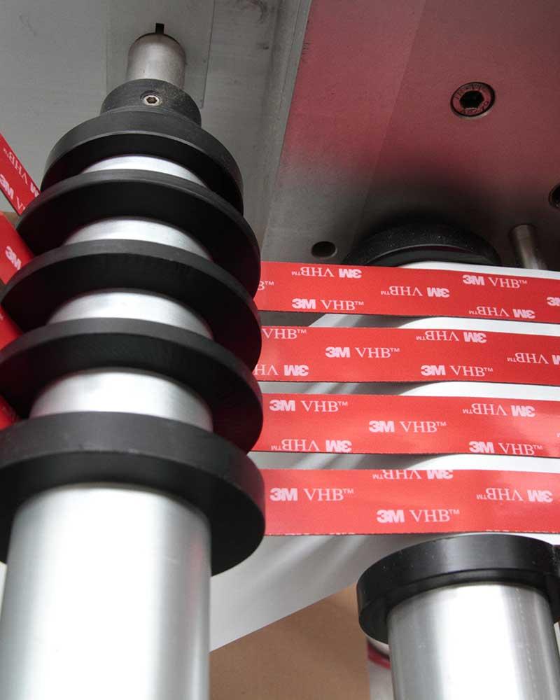adesivi rossi a marchio 3M