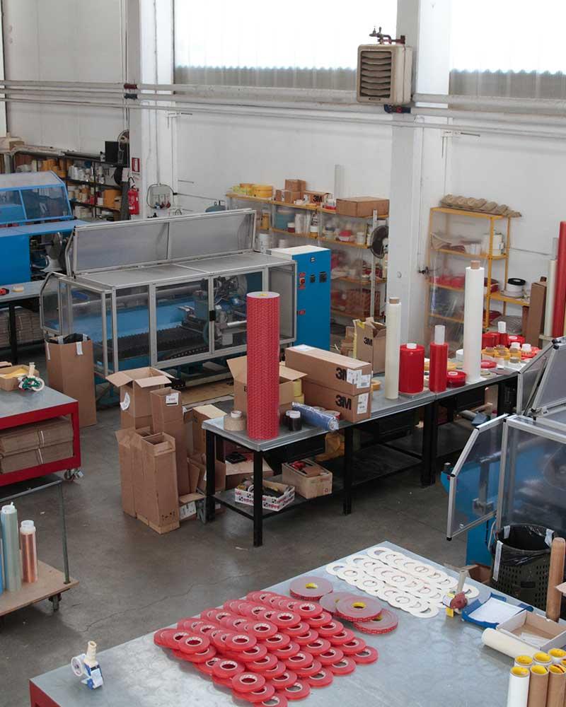 fabbrica di produzione nastri vista dall'alto