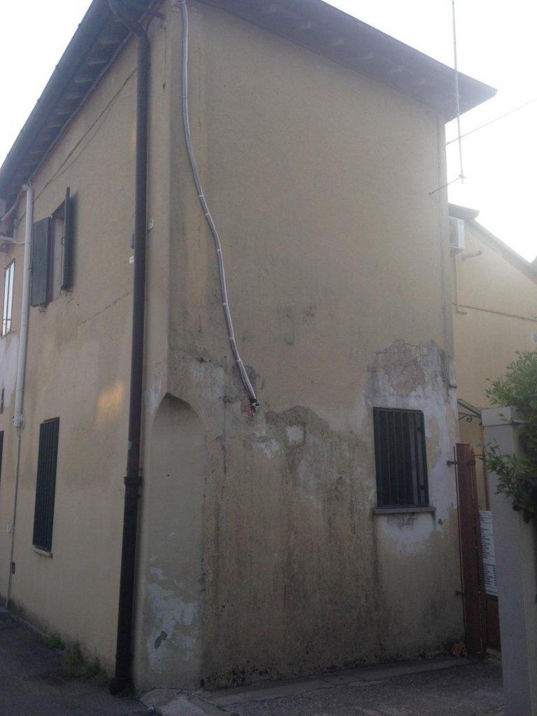 edificio da ristrutturare