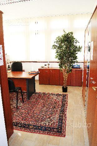 ufficio con tappeto