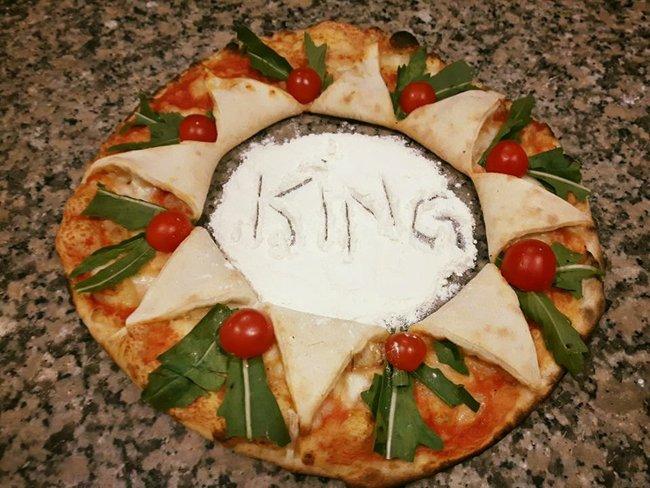 Pizza con il disegno King