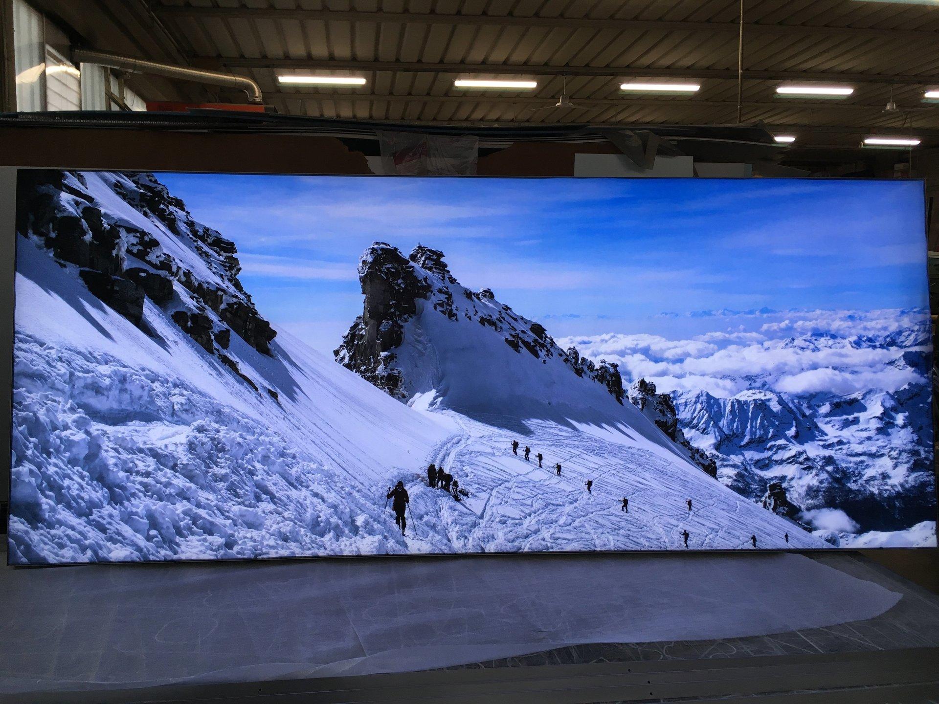 quadro luminoso di paesaggio di montagna